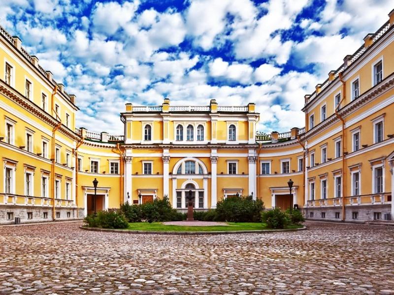 Пушкинский музей, Санкт-Петербург